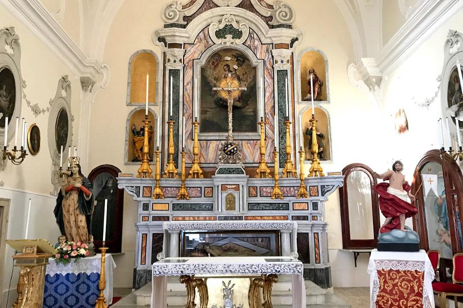 L'altare della chiesa di Santa Maria degli angeli a Gallipoli